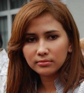 Foto Dewi Cinta Bugil - Profil Biodata Biografi Artis