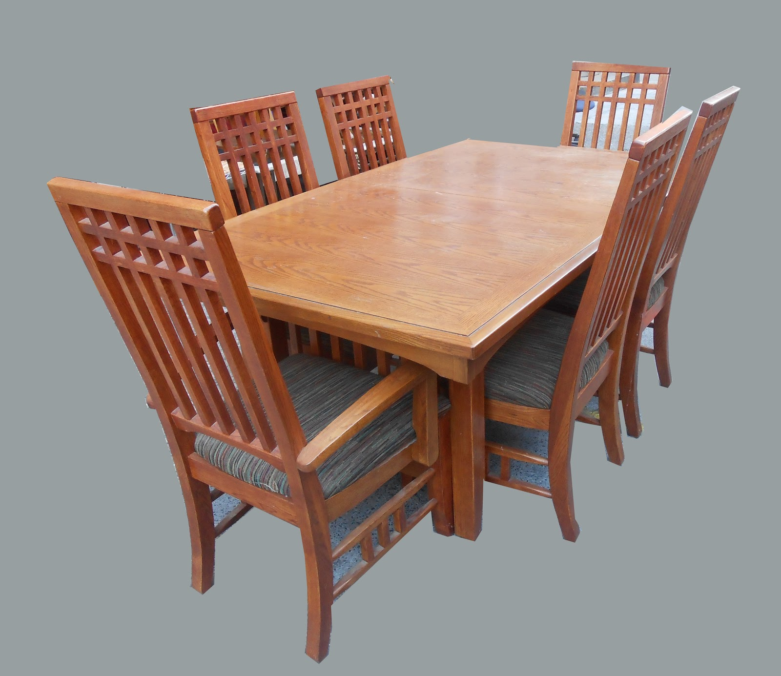 Uhuru furniture collectibles mission style dining table for Mission style dining table