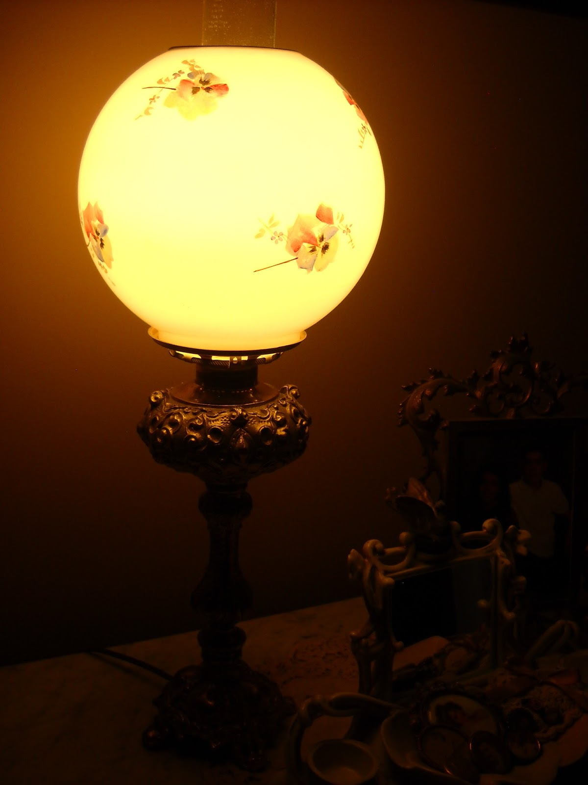 Victorian night lamps - And Last Of All Is This Little Night Light In My Son S Room It Makes Me Laugh Because He Is Such A Masculine Young Man To Have Such A Sweet Little Floral