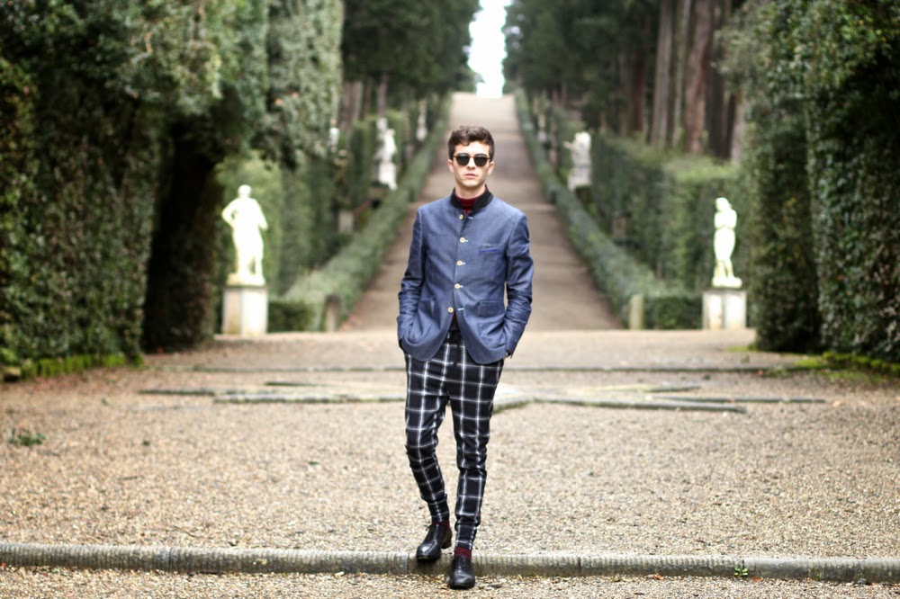 BLOG MODE HOMME / Boboli Gardens / Cavalier Bleu Jacket Veste, Uniqlo Turtle Neck Col roulé, Checked Pants, Maison Martin Margiela Shoes Derby, Mensfashion, Florence