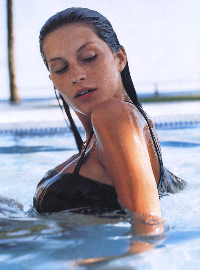 Gisele Bundchen in Hot ticket editorial / Elle US May 2000 (photography: Gilles Bensimon)