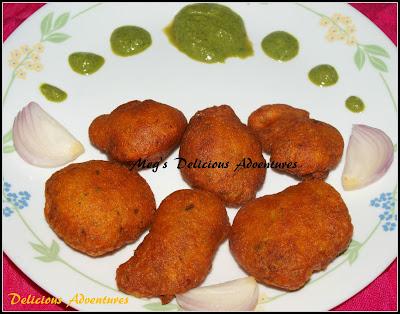 Moong Dal Bhaji (Lentil Fritters / Pakodas / Dal Vada)