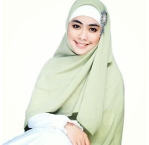 Kecantikan Wanita Menurut Al Qur'an Dan Islam
