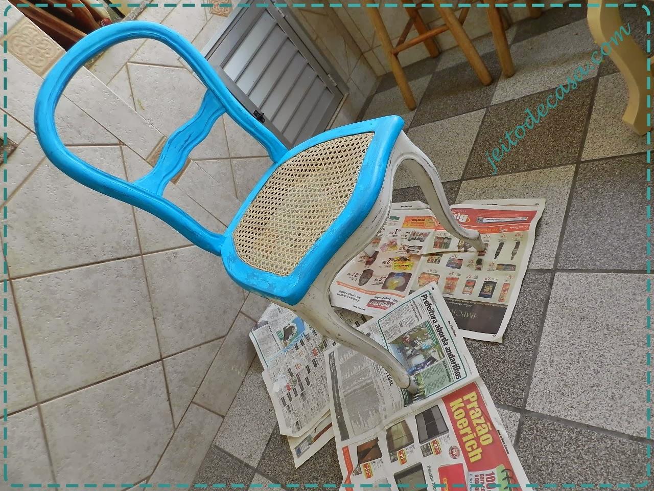 renovando a cadeira com pintura