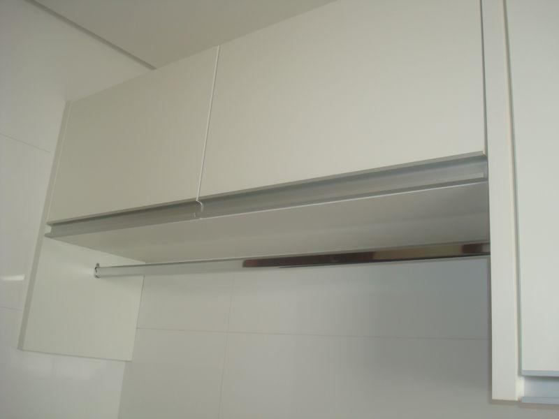 Armario de lavanderia de parede : Construindo um castelinho lavanderia planejada