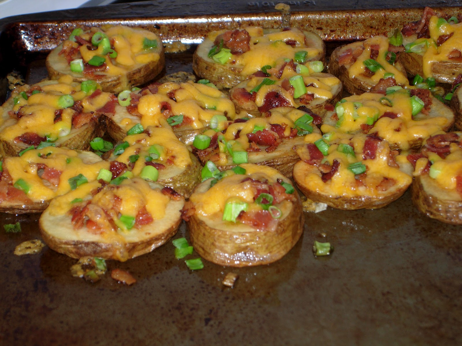 Mel's Test Kitchen: Cheese & Bacon Potato Rounds