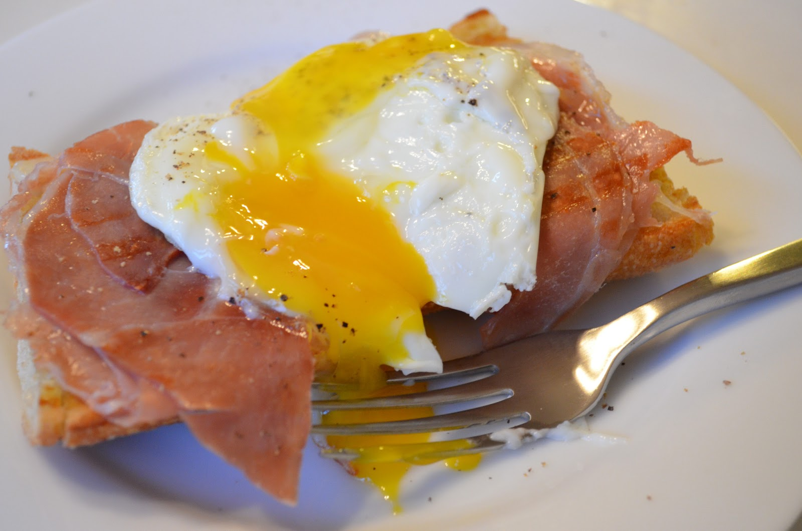 Life With Sol: Open Faced Prosciutto and Egg Sandwich