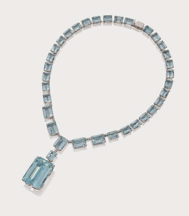 Marina Ruy Barbosa wears necklace aquamarine and diamond. Ask the jeweler Amsterdam Sauer is valued at £ 504 000