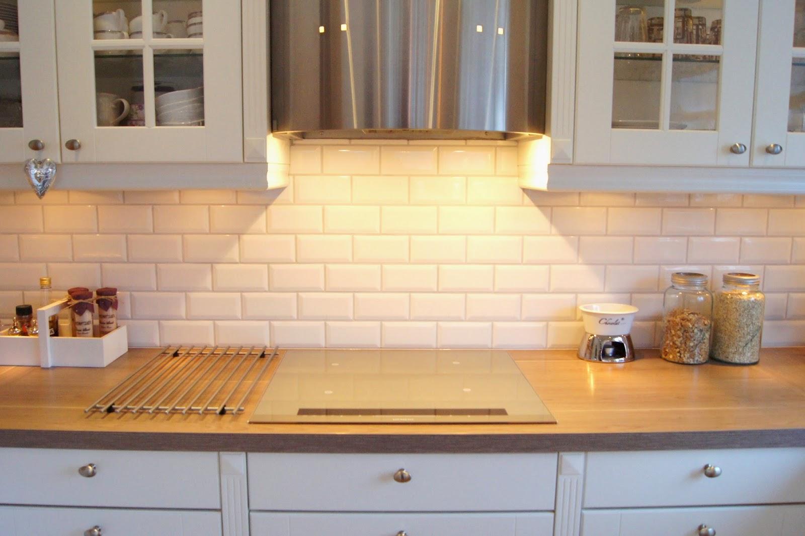 Hvite kjøkkenfliser