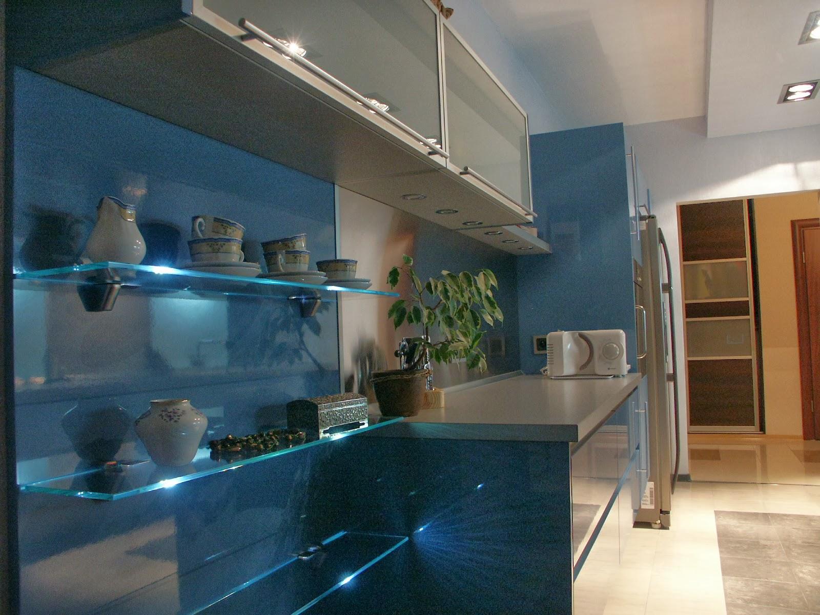 HOME FROM OURS Kuchnia niebieska na topie lifestyle, dzieci, życie, pomysły,   -> Niebieska Kuchnia Inspiracje