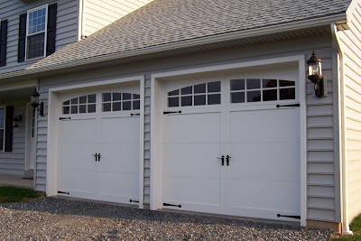 Sectional type overhead garage door styles