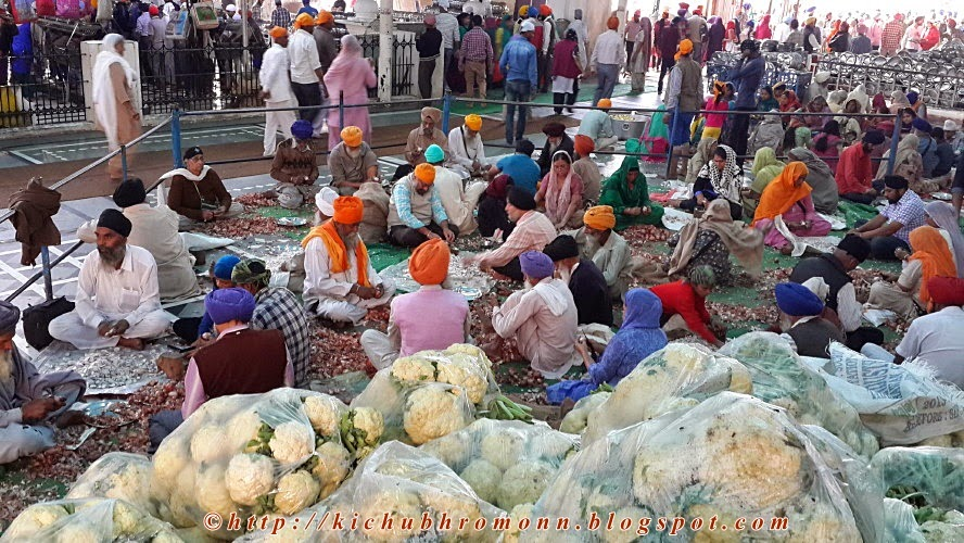 langar in golden temple