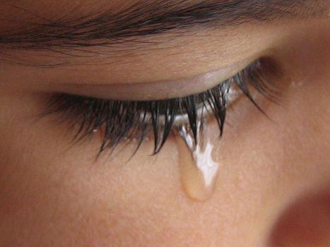 wanita_menangis.jpg
