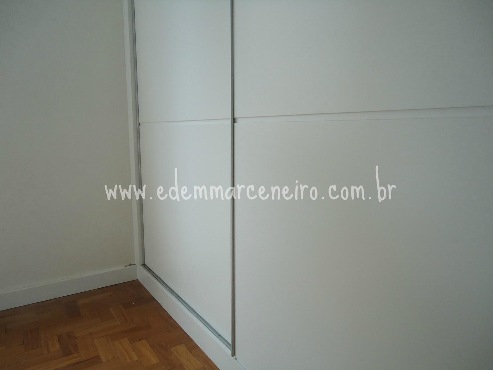 Portas de Correr para Substituir Portas Antigas do Armário Edem  #603E20 1600x1200 Armario Banheiro Porta De Correr