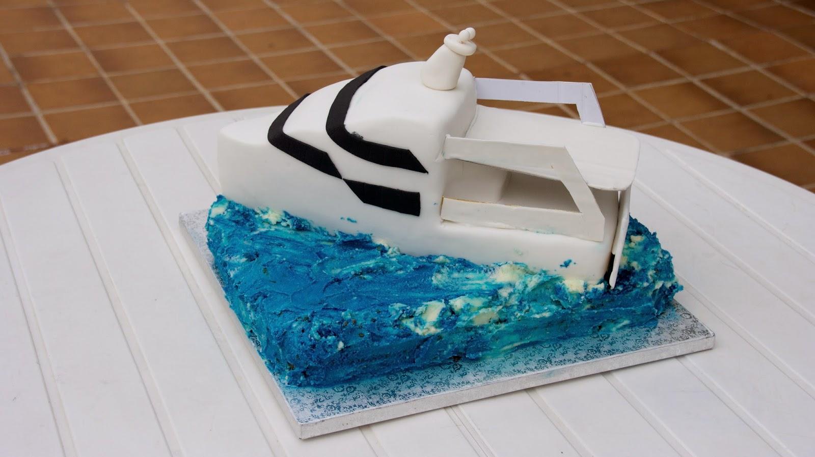 Tarta en forma de vaixell