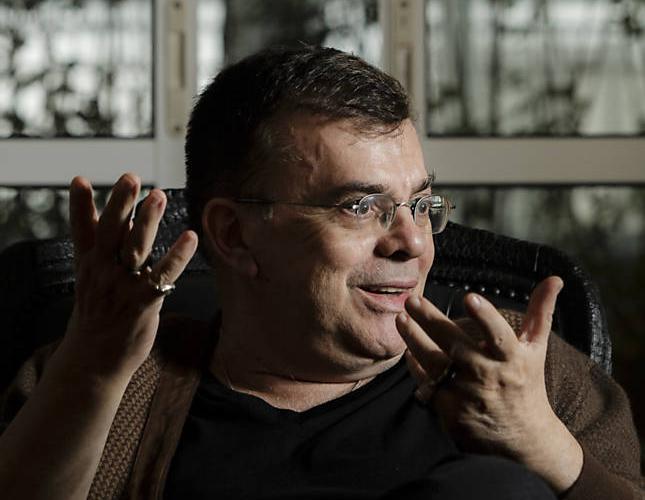 Walcyr Carrasco lança o livro 'Juntos para Sempre' e se prepara para estrear a nova novela das 21h da Globo, 'Amor à Vida' (Foto: Adriano Vizoni/Folhapress)