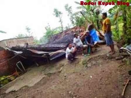 Diterjang Puting Beliung Rumah Warga Ponorogo Ini Ambruk