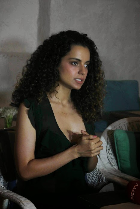 Kangna Ranaut at The Promotions of A Small World Gallery