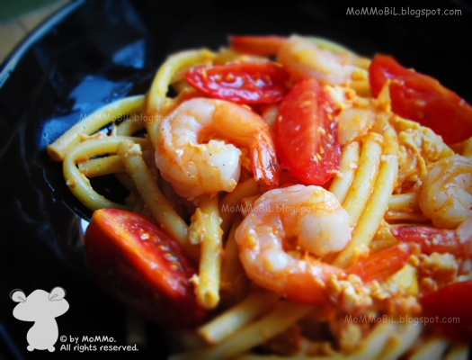 mommobil thai fusion food gebratene makkaroni mit shrimps. Black Bedroom Furniture Sets. Home Design Ideas