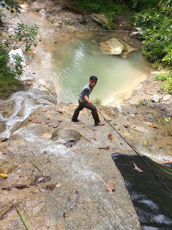 Latihan Panjat Tebing Sungai Di Padaherang