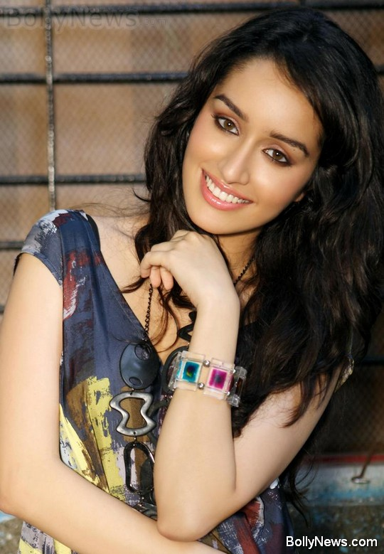 Hot Shraddha Kapoor  Bollywood Shraddha Kapoor Actress Wallpapers Photo Pictures Gallery gallery pictures