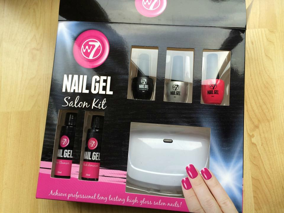 W7 salon nail kit