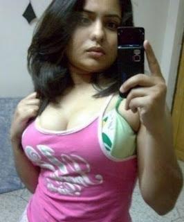 Pakistnai girl zoya nude boobs ki photos