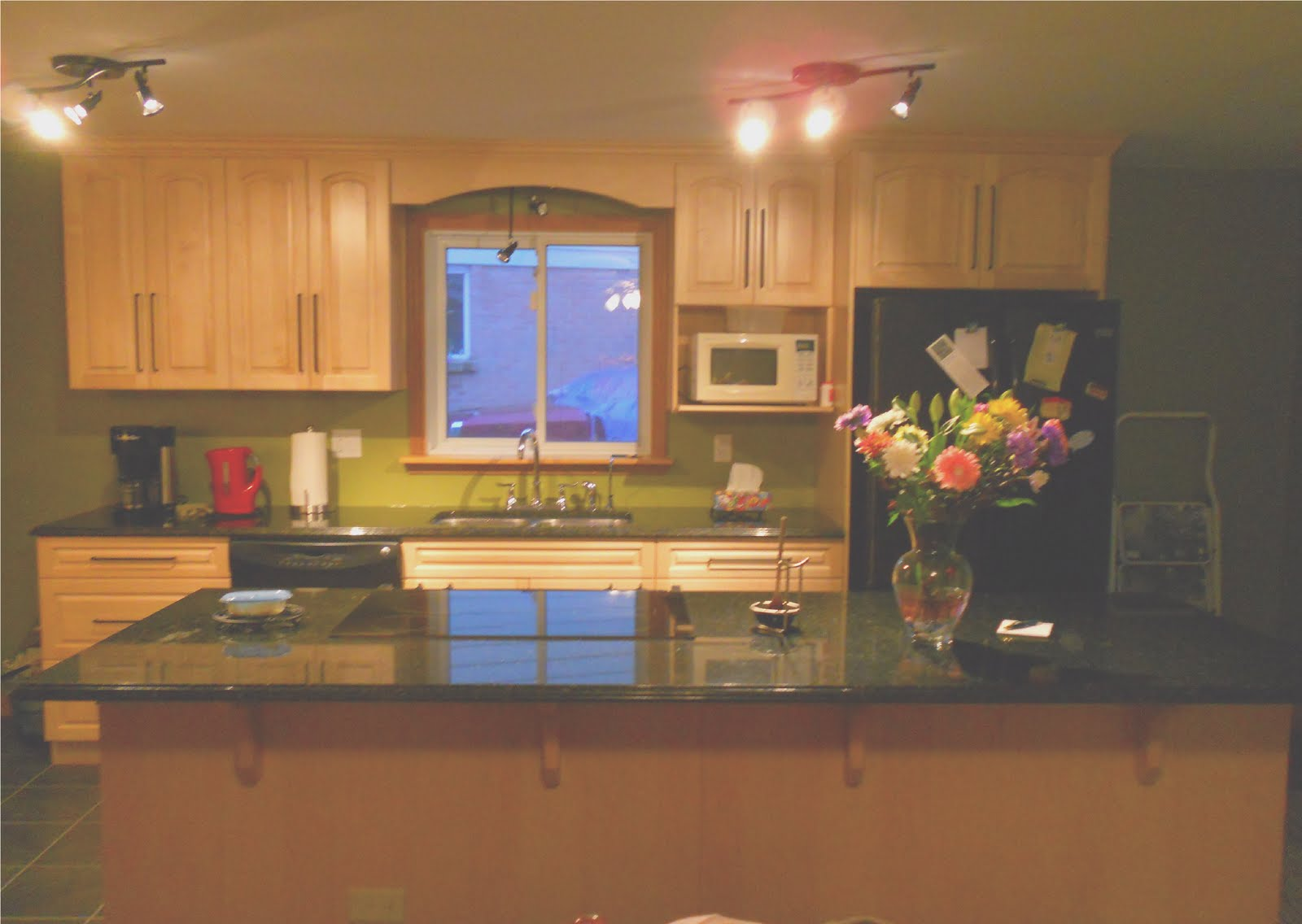 Maple Kitchen Cabinets with Granite Countertops