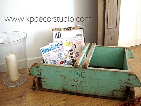 Comprar revistero nórdico y vintage, verde mint y madera decapada