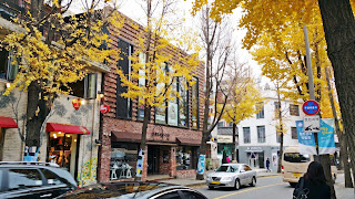 Beautiful Samcheongdong cafe street in Autumn | www.meheartseoul.blogspot.com