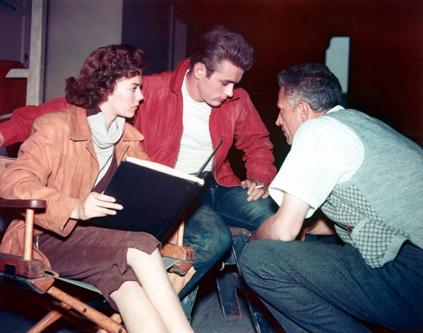 "James Dean, Natalie Wood e Nicholas Ray em ""Rebel Without A Cause"""