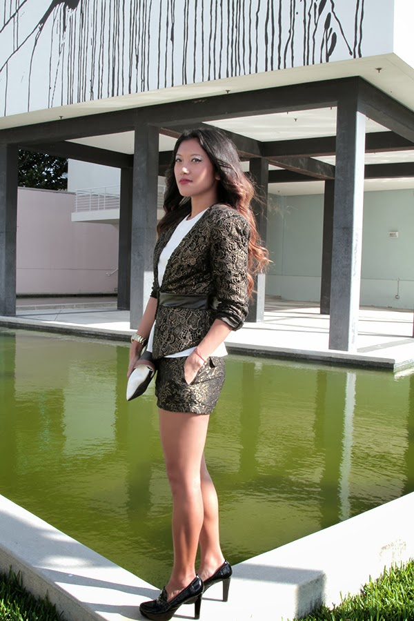 brocade print, short suit, suit with shorts, oversized clutch, steve madden, me too shoes, bebe blazer, hm shirt, forever 21 shorts, black and gold shorts, loafer heels, what to wear