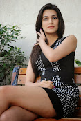1Nenokkadine fame Kriti Sanon Photos-thumbnail-14