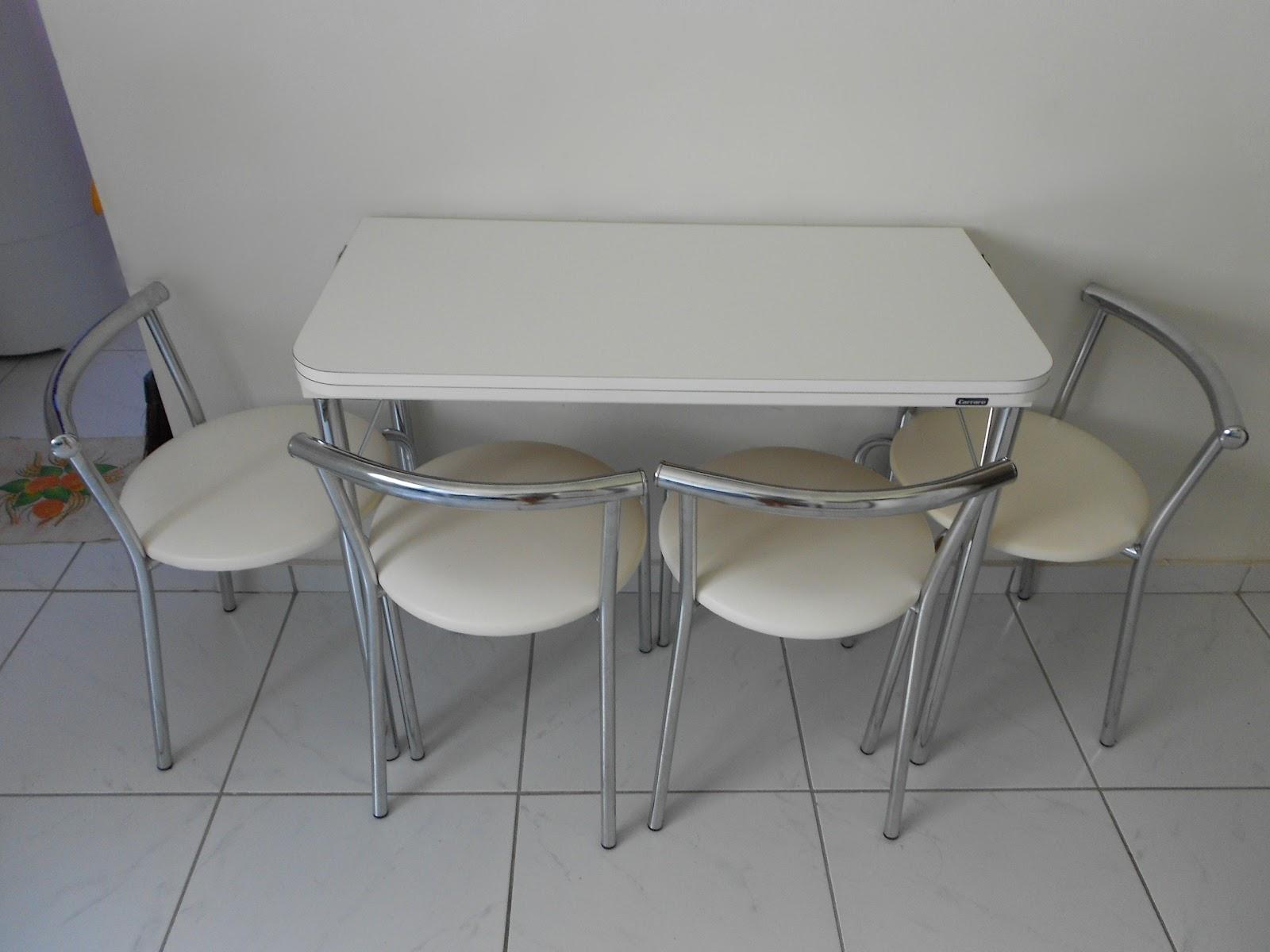 Agora sim casada mesa dobr vel uma solu o para for Mesas pequenas de salon