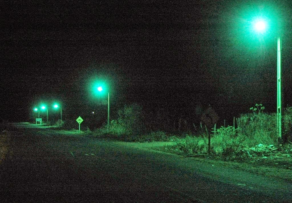 OURO VELHO: Prefeitura inicia melhoria da iluminação na saída da cidade