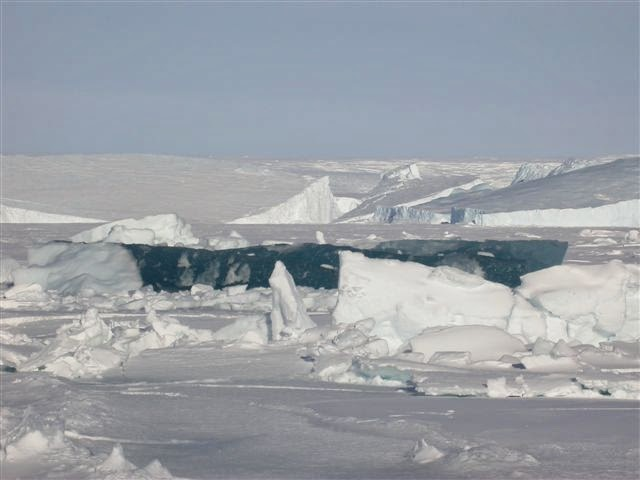 LAKE MICHIGAN ICEBERGS  9