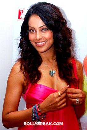 bipasha close up -  Bipasha Basu bold and beautiful photos