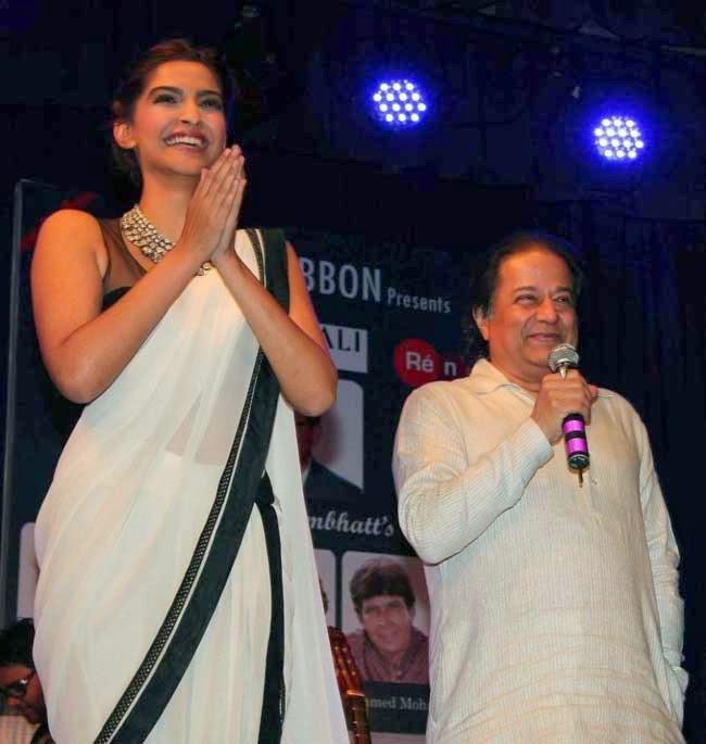 Sonam Kapoor and Ghazal singer Anup Jalota