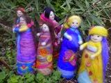 muñecas de fieltro con alambre