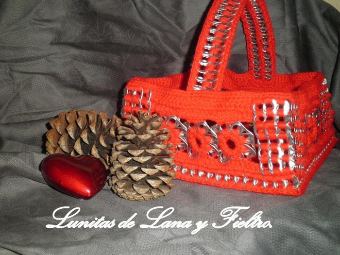 Lunitas de Lana y Fieltro: Servilletero rojo en forma de cestita ...