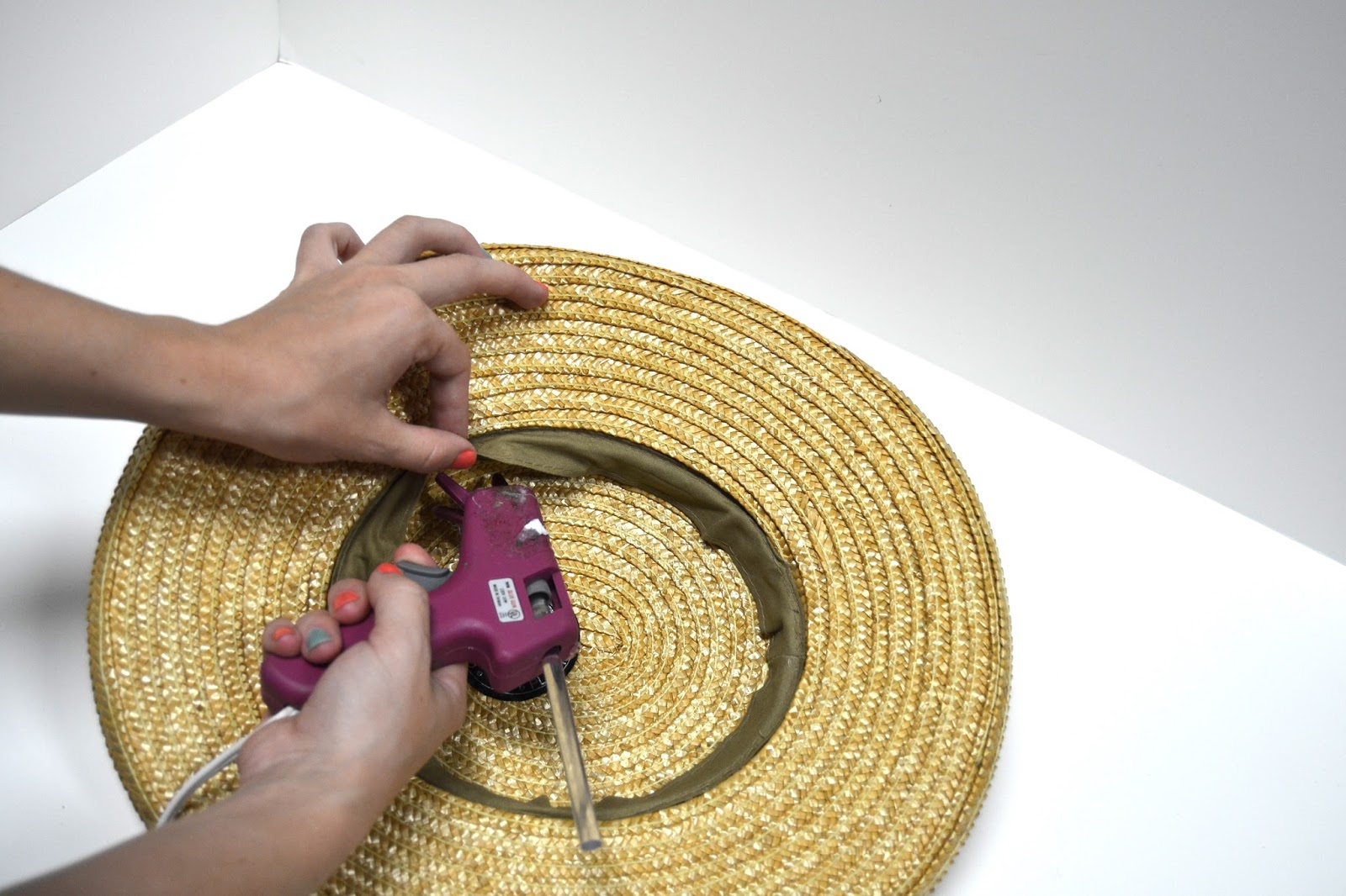 how to make a straw hat smaller