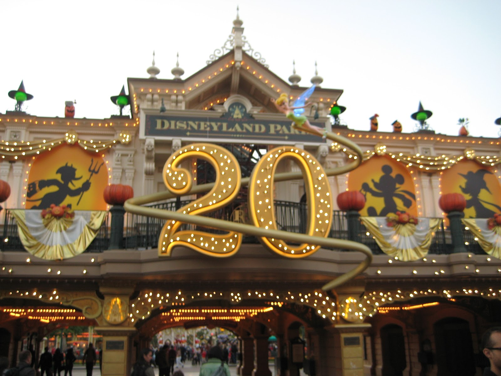 disneyland objectives 10 examples of great disney marketing campaigns by ben davis @ econsultancy 0 comments there are two difficulties with a roundup like this.