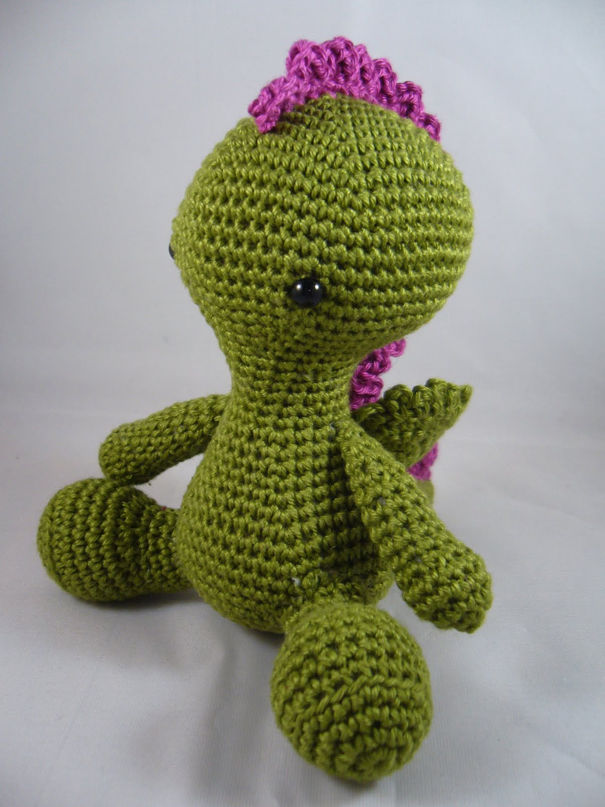 kamadesign - confessions of a crafter: Amigurumi dragon/alien