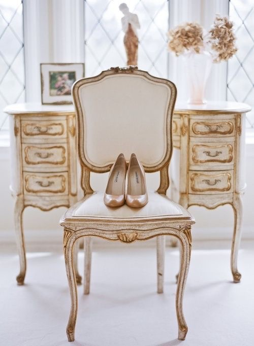 Daily inspiration a fabulous way to inspire your day - Muebles estilo luis xv ...