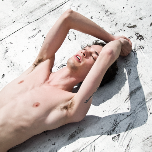 boy nude sunbathe