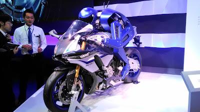 Yamaha MOTOBOT YZF-R1M TMS2015