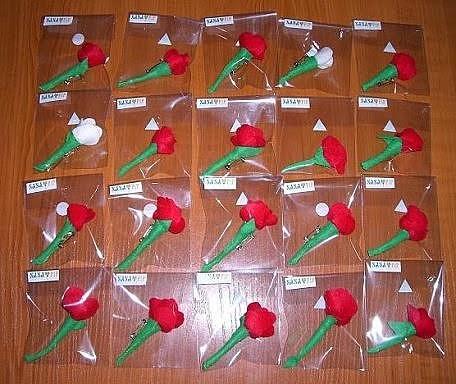 http://manualidades.facilisimo.com/foros/mas-manualidades/rosas-para-sant-jordi_385260.html