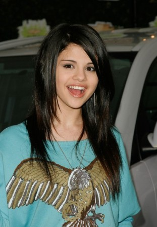 selena gomez movies list. Selena Gomez Celebrity Young