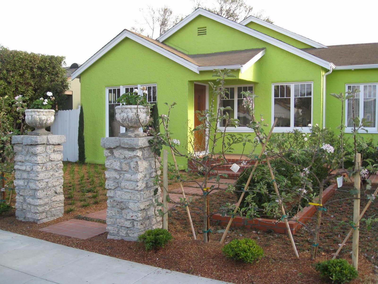 2018 Mar Vista Green Garden Showcase: 12432 Mitchell Avenue - Cluster 6