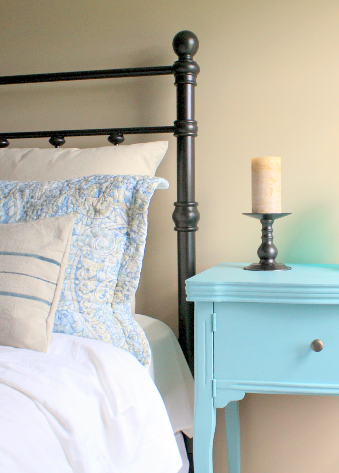A charming nest spray painted headboard for Painting a headboard
